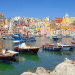 Croisières en Méditerranée : Voyage aux Confins du Luxe