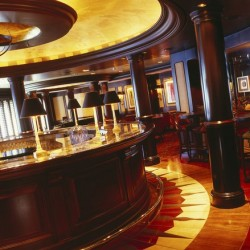 Crystal Serenity, Avenue Saloon