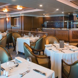Terrace Cafe - Nautica, Oceania Cruises