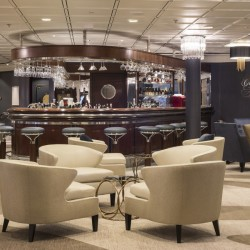 Crystal Symphony, Cove Bar